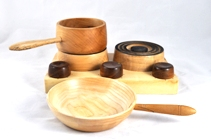 Wooden toy cooking set